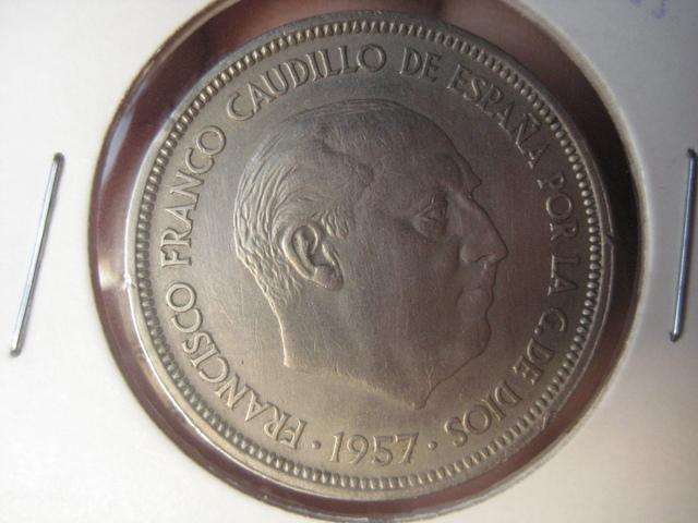 50 pesetas 1957 (58) variante UNA-LIBRE-GRANDE Img3705o